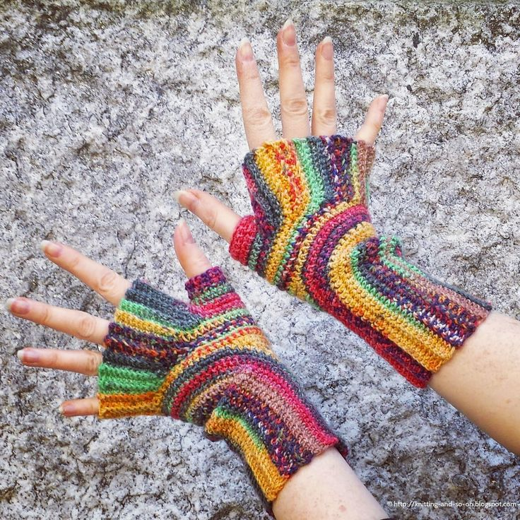 Knitting and so on: Crochet U-Turn Mitts