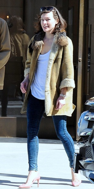 Milla Jovovich in casual outfit