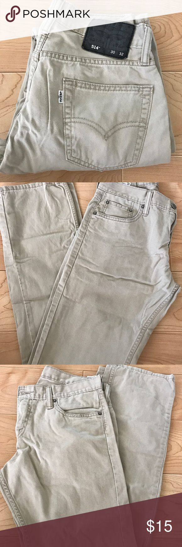 Levi's 514 Slim Men Levi's 514 Slim Men W30 x L32 in tan perfect to dress up or down with your favorite shirt or polos. Levi's Jeans Slim