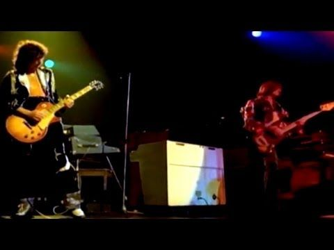"""LED ZEPPELIN -""""BLACK DOG,"""" LIVE. HEAVY METAL MONSTER ROCK WITH PLANT, PAGE, JONES AND BONHAM. WHOA! THE DOG CHECKS IN AT # 52 ON MY MONSTER LIST."""