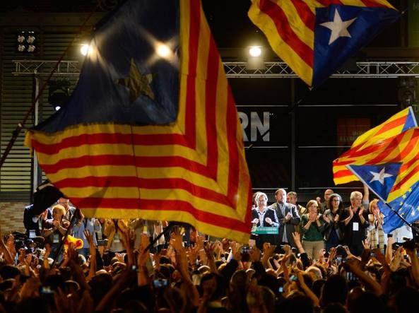 http://www.corriere.it/:Esplora il significato del termine: Barcellona, la piazza esulta dopo  il voto: «Barça-Madrid 72-0!» Festa per il risultato nelle elezioni regionali: «Cancellate i nomi borbonici dalle vie!» Barcellona, la piazza esulta dopo  il voto: «Barça-Madrid 72-0!» Festa per il risultato nelle elezioni regionali: «Cancellate i nomi borbonici dalle vie!»  (Getty Images/Ramos)