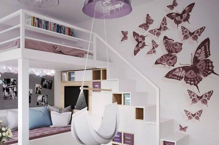 chambre fille mauve avec lit mezzanine et déco murale en stickers papillons