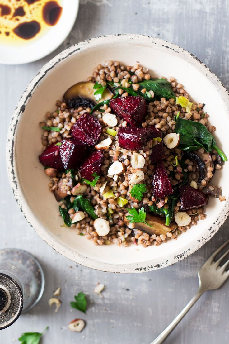 This warm buckwheat and beetroot salad makes a filling and nutritious lunch or dinner. It's quick to prepare, naturally vegan and gluten-free.