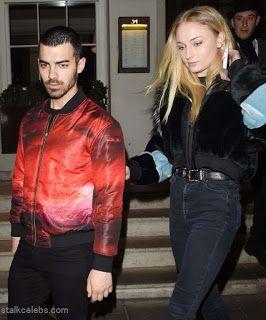 Celebrity Style | 海外セレブ最新ファッション情報 : 【ソフィー・ターナー】青×赤のクールなカップル!ロンドンで恋人ジョー・ジョナスとディナーデート!