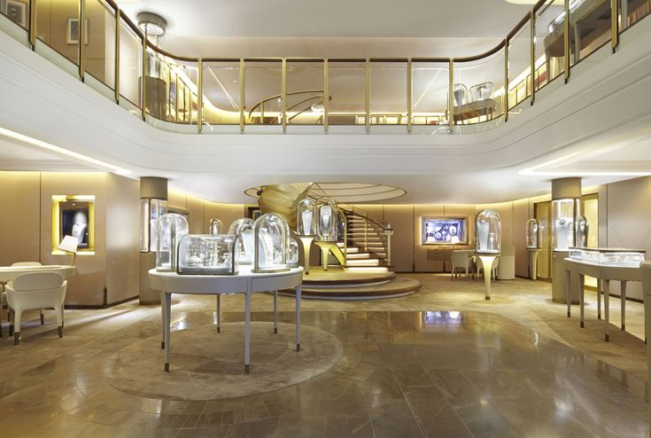 Van Cleef  Arpels and Jouin Manku Studio. Together again, to celebrate a century-old story on New York's Fifth Avenue #ArchiJuice #RetailDesign