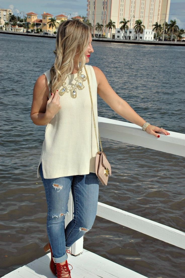How to Dress Holiday Festive in Florida. Florida fall fashion   warm weather fall outfits   December Florida outfit  