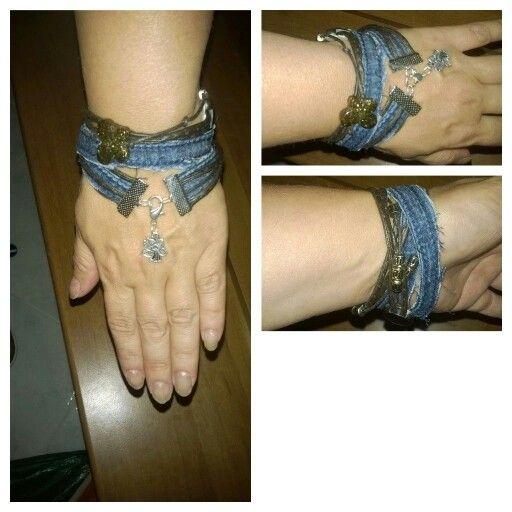 Jeans rotti...e un ciondolo