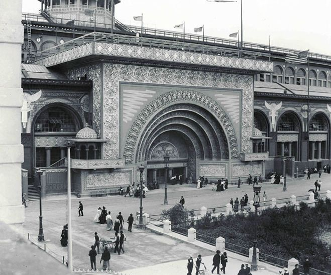 Transportation Building Golden Doors, Columbian Exposition, The World's Fair, 1893 - Designed by Louis Sullivan and Dankmar Adler, with assistance by young apprentice Frank Lloyd Wright