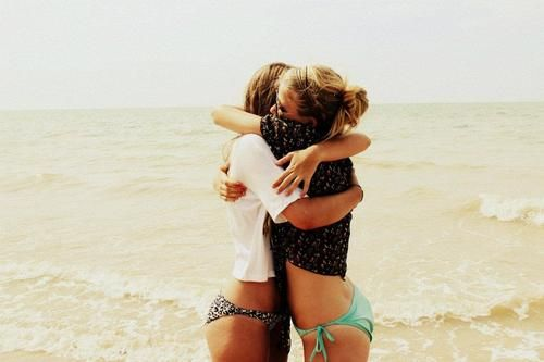 Best friends on a beach is perfection. Take note of this @Sara Eriksson Bevan and @Amanda Snelson Lee