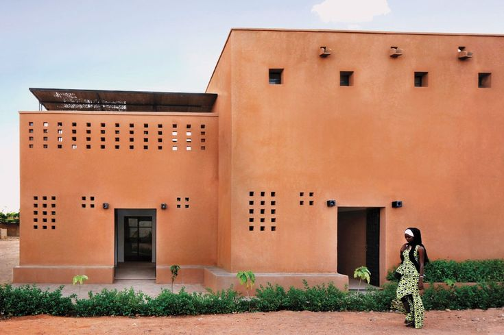 Realised by united4design in Niamey, Niger, this brick housing building increases density and strives to address more than the need for culturally appropriate housing.