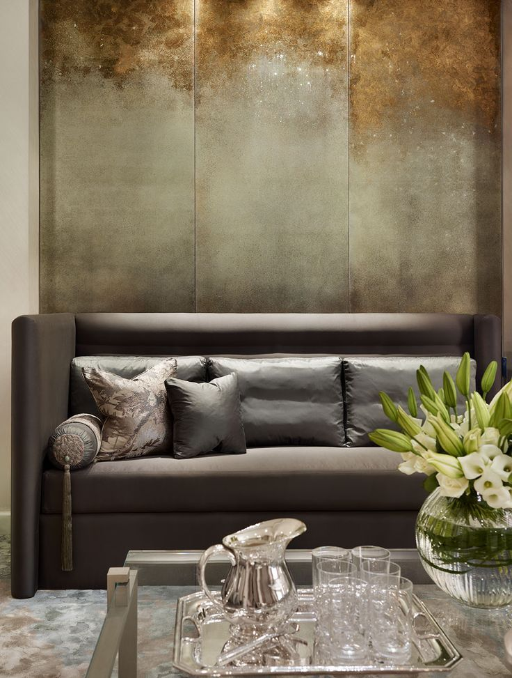 #MetallicWalls distressed paint finish, achemy liquid copper, gold, silver BM¤ (note comments on sofa and pillows...!)