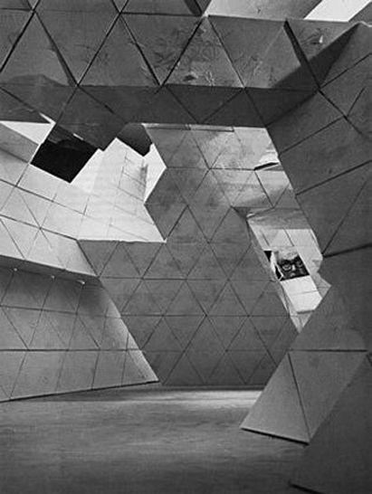n-architektur:  Tony Smith