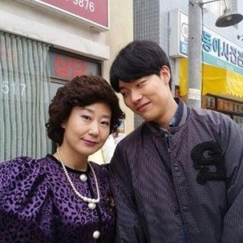 Ra Mi-ran and Ryu Jun-yeol show off mother-son chemistry in 'Answer Me 1988' @ HanCinema :: The Korean Movie and Drama Database