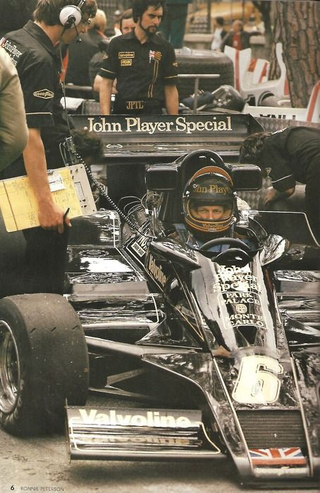 Ronnie Peterson in his Lotus.
