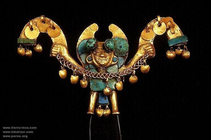 Although the Egyptian jewelry with this material are the best known, the Moche culture (the ancient Peru that developed between 100 and 700 AD.), They used this stone in jewelry that were brought from the north from Chile.