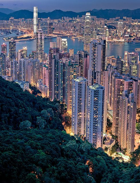Hong Kong: Central and Kowloon from Victoria PeakHong Kong, Buckets Lists, Amazing Cities, Favorite Places, Hongkong, Beautiful Places, Amazing Places, Travel, Victoria Peaks
