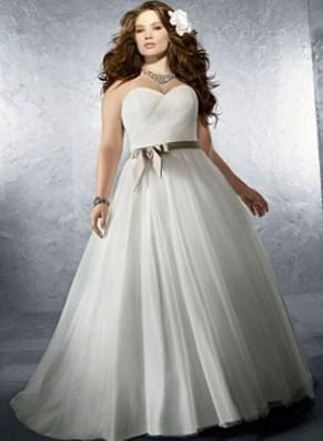Платья свадебные для полных - http://1svadebnoeplate.ru/platja-svadebnye-dlja-polnyh-3396/ #свадьба #платье #свадебноеплатье #торжество #невеста