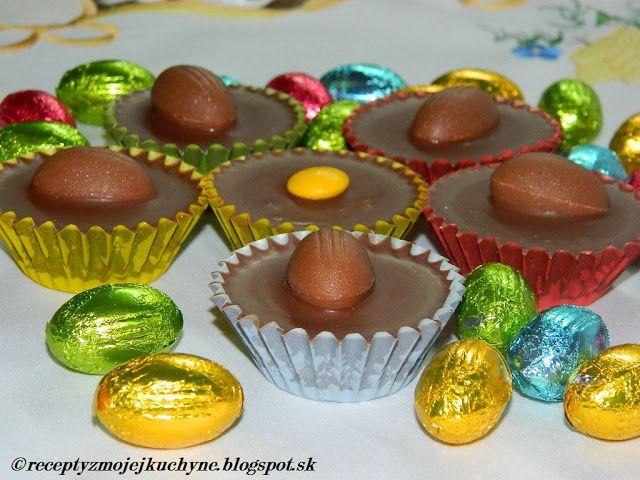 RECEPTY Z MOJEJ KUCHYNE: Čokoládové košíčky s kokosovou plnkou