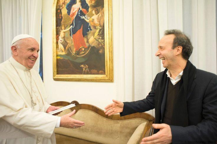 Benigni in Vaticano: ''Il Papa, un rivoluzionario meraviglioso''