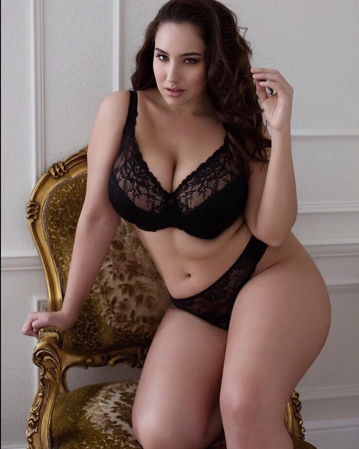 Plus Size Model Jada Sezer  Thick And Curvy In 2019 -1143