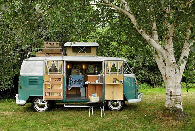 El maravilloso encanto de las antiguas caravanas con decoración vintage.