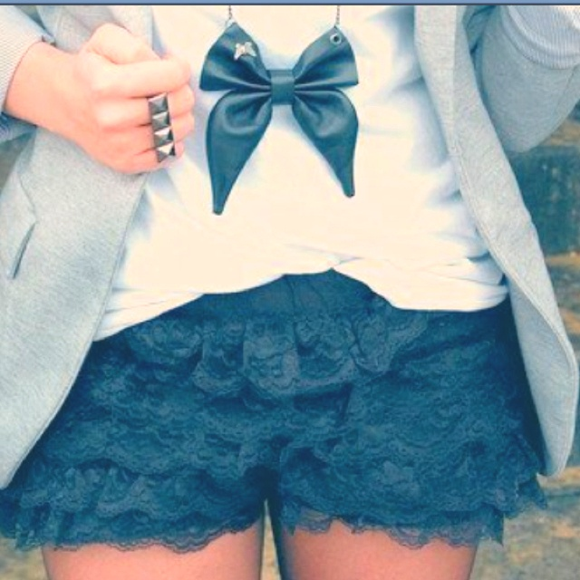 Black Lace, Woman Fashion, Fashion Statement, Style, The Real, Inspiration Pictures, Bows, Necklaces, Lace Shorts