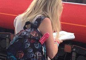 12-Oct-2015 8:10 - WAAROM TEXAANSE STUDENTEN MET DILDO'S NAAR SCHOOL GAAN. Bizarre taferelen op de University of Texas, waar enkele studenten rondlopen met uit de kluiten gewassen dildo's in hun tas. De bizarre actie is…...