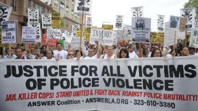 Americans protest police brutality in California | Islamic ...