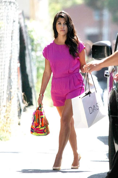 """NO """"15 MINUTES OF FAME"""" HERE!SERIOUS CELEBS WEARING STUNNING MOCHILAS """"KOURTNEY KARDASHIAN"""" WEARING OUR """"COLOMBIA IS PASSION"""" MOCHILA BAG!"""