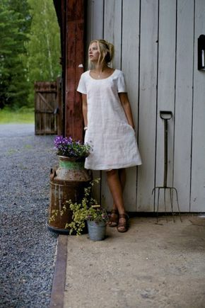 209baaa28a16 Pin tillagd av Åsa Gustavsson på Linnekläder i 2019 | Dresses with  leggings, Linen dresses och Fashion