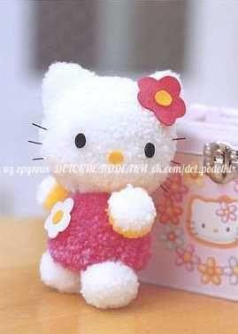 Hello Kitty hecho con pompones