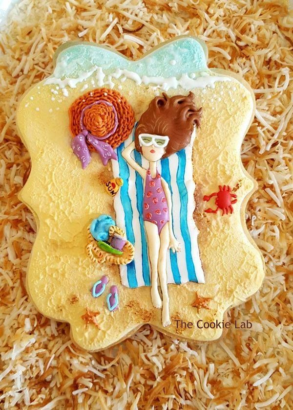 The Cookie Lab by Marta Torres A summer royal icing decorated cookie (lisi…