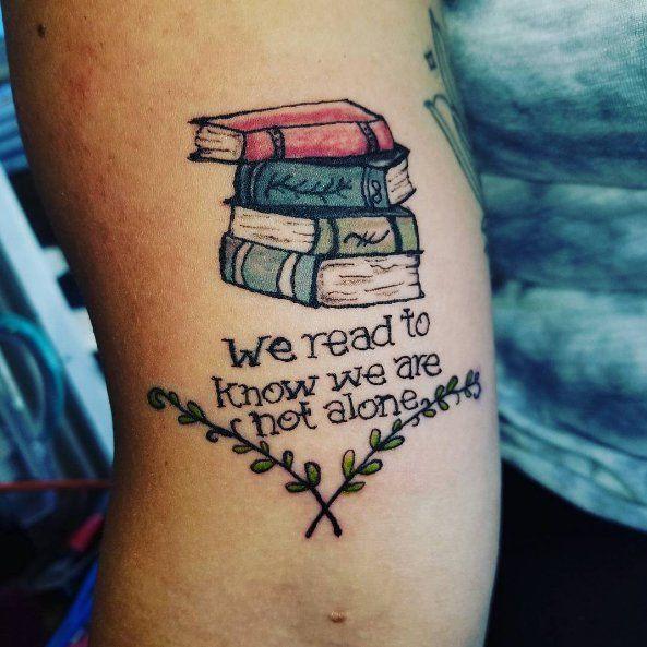 Tatuajes para enamorados de los libros #tattoos #tatuajes