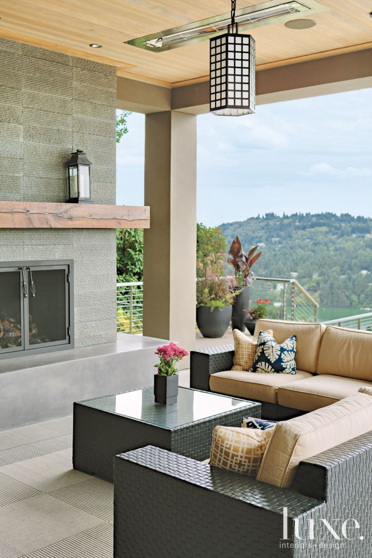 Modern outdoor living room luxe seating areas for Contemporary outdoor living spaces