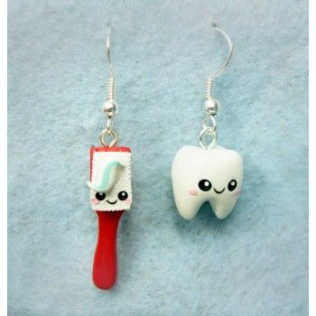 toothbrush + tooth Kawaii,fimo, handmade,hecho a mano,polymer clay,earrings,pendientes,cepillo de dientes,muela,