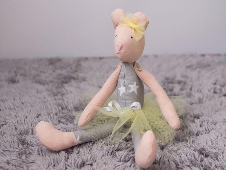 Zabawka - miś Panna Julianna w Manufaktura Domowa na DaWanda.com