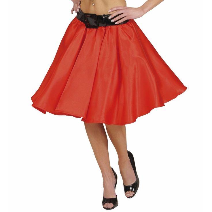 Rode fifties rok met petticoat voor dames. Fifties Rock and Roll stijl rode rok met satijnlook en aangehechte petticoat. De rok, met elastische tailleband, is one size en past tot maat XL (EU 42). Riem niet inbegrepen. Totale lengte rok: 50 cm. Materiaal: 100% polyester.
