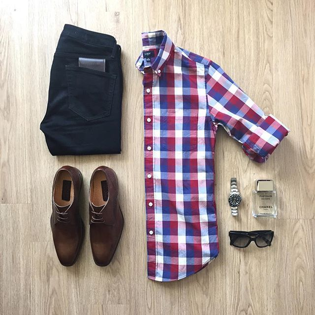 Shirt: @jcrewmens Jeans: @topman Wallet: @mywalitofficial Shoes: Mercanti Fiorentini Cologne: @chanel Watch: @rolex Shades: @prada