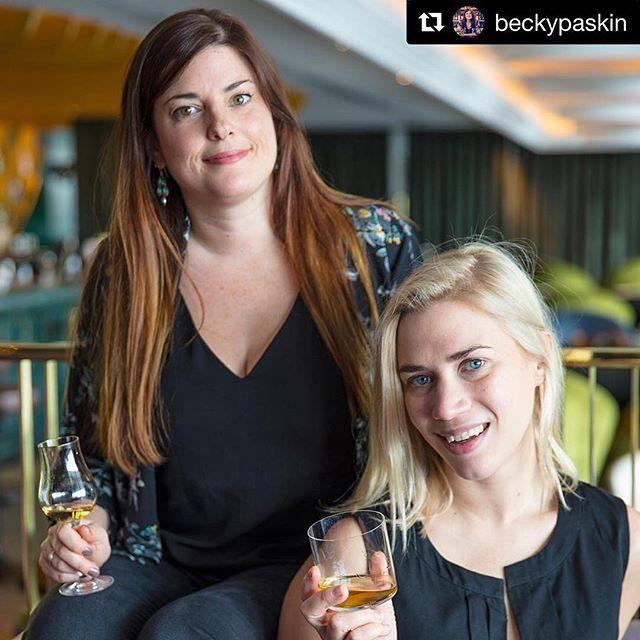 """#viski dünyasının 2 güçlü kadınından harika bir girişim """"viski erkek içkisidir"""" stereotipini yıkmak için yola çıkan @beckypaskin ve @belleswhisky OurWhisky kampanyası ile dünyaya viskinin herkesin içkisi olduğunu hatırlatacaklar. #OurWhisky @ourwhisky hareketine benden sonsuz destek!!  Great initiative by Becky and Georgie If you are also tired of hearing statements like """"is this a whisky suitable for ladies"""" """"girlie whisky"""" """"whisky glass for women"""" etc please join @ourwhisky #ourwhisky Full…"""