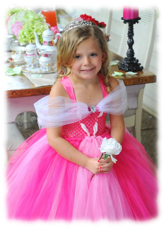 robe princesse aurore fille de 1 an 10 ans robes les tutus enchant fait maison. Black Bedroom Furniture Sets. Home Design Ideas