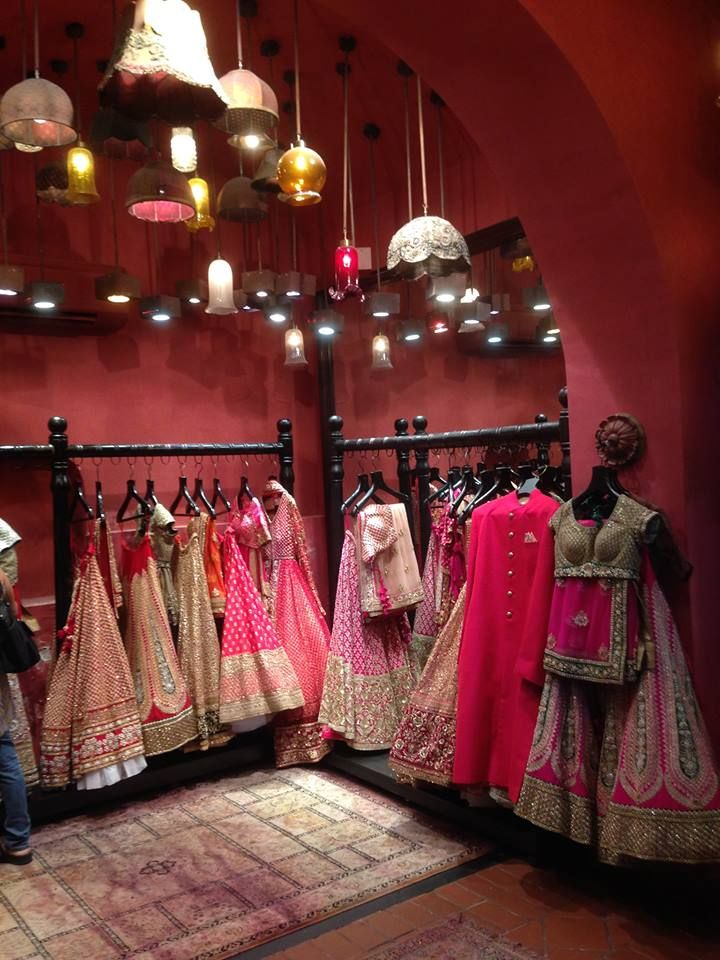 A Peak Inside The Sabyasachi Bridal Store Simply Magic Clothing Store Interior Clothing Boutique Interior Boutique Decor