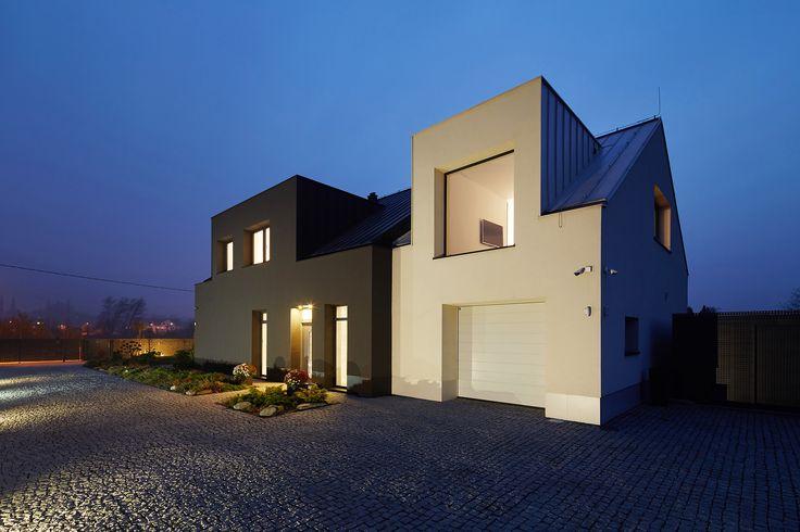 GRO HOUSE. Contemporary house in Krakow, Poland. architect: Tadeusz Lemanski, photo: Tomasz Zakrzewski