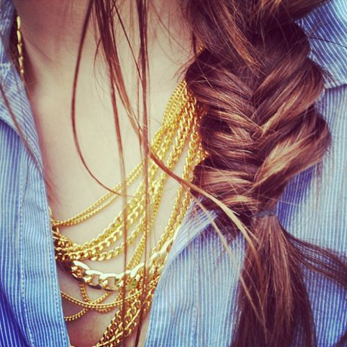 how to make a messy fishtail braid