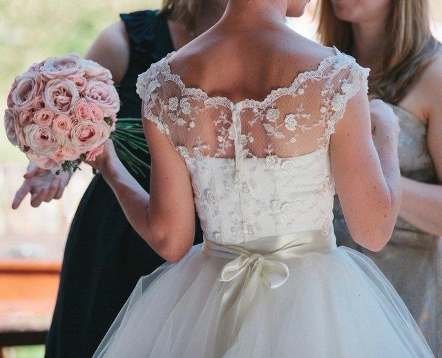 Size 6-8 vintage style Candy Anthony wedding dressTea length