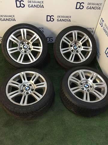 . Llantas de Aluminio, BMW 320, 2.0 D. Con goma. Tama�o : 255 / 40 / R17. Fecha: 4216