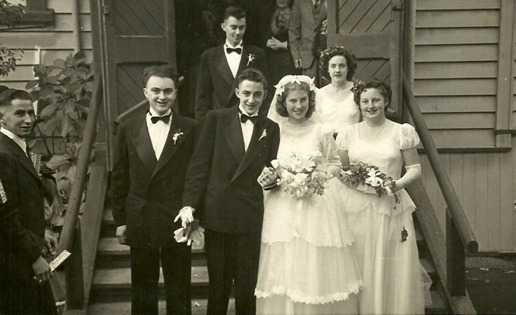 https://flic.kr/p/8c8FJC | Outside St Aidan's Church, Remuera | Ronald and Josephines wedding party outside the church.