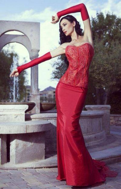 http://bulvar24.cz/regina-salpagarova-modelka-z-milana-s-recko-ruskymi-koreny/
