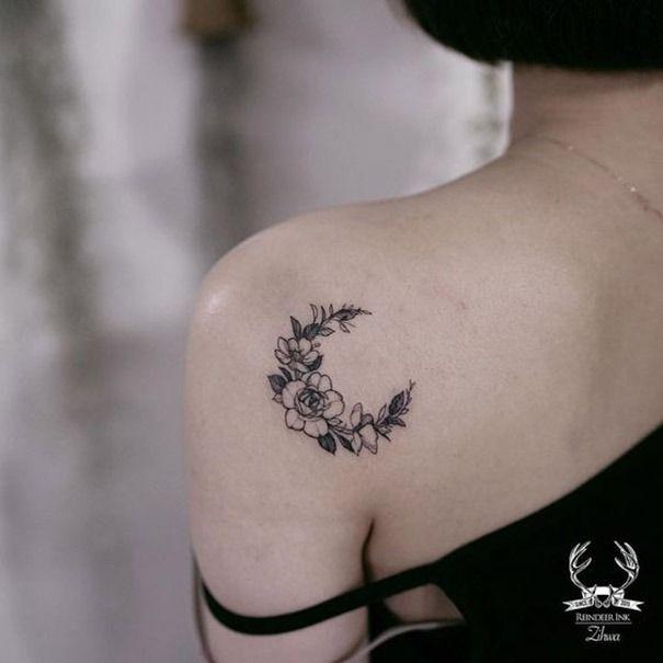 Tatuajes de la luna únicos para las mujeres.