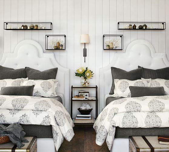 Similar to my Pottery Barn blue medallion duvet. Idea for accenting with pillows to pull color out.