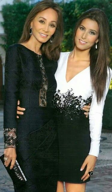 Isabel Presley and Ana. Boda invierno